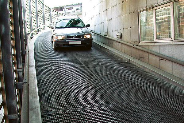 Решетчатый настил для автотранспорта